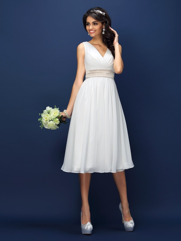 A-Line/Princess V-neck Pleats Short Chiffon Bridesmaid Dress