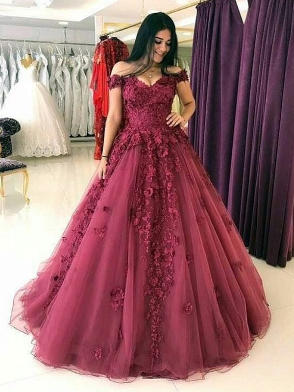 Ball Gown Sleeveless Off-the-Shoulder Sweep/Brush Train Tulle Dress