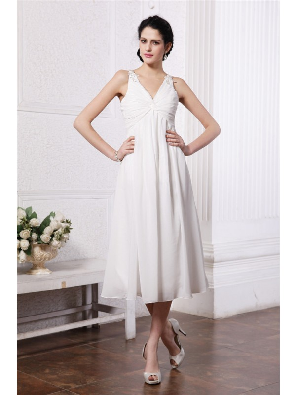 Sheath/Column V-neck Applique Short Chiffon Bridesmaid Dress