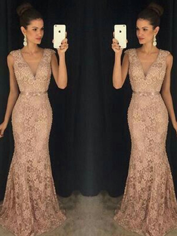 Trumpet/Mermaid V-neck Sleeveless Lace Sweep/Brush Train Dress
