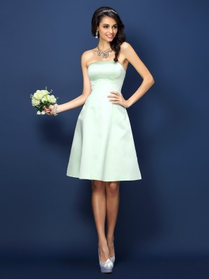 A-Line/Princess Strapless Short Satin Bridesmaid Dress