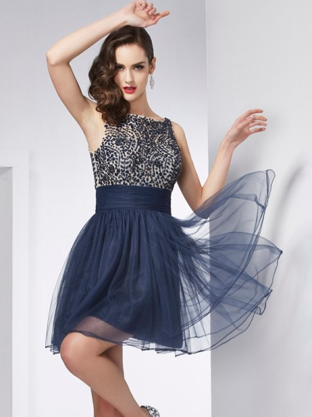 Sheath/Column Bateau Beading Short Tulle Homecoming Dress
