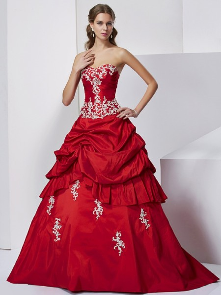 Ball Gown Sweetheart Beading Applique Long Taffeta Quinceanera Dress