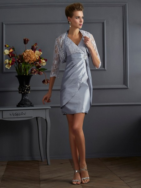 Sheath/Column V-neck Short Taffeta Mother of the Bride Dress
