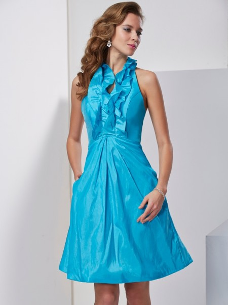 A-Line/Princess Halter Ruffles Short Taffeta Homecoming Dress