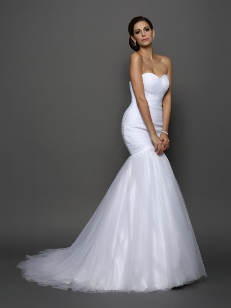 Trumpet/Mermaid Sweetheart Pleats Long Net Wedding Dress