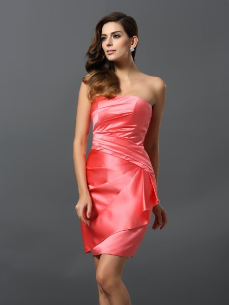 Sheath/Column Strapless Ruched Short Satin Bridesmaid Dress