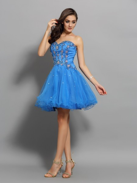 A-Line/Princess Sweetheart Beading Short Satin Cocktail Dress