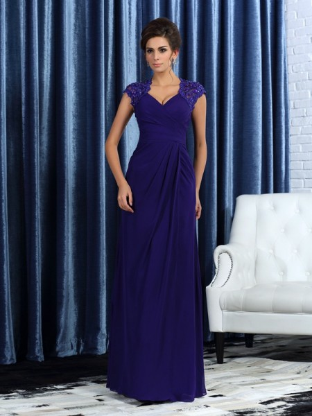 Trumpet/Mermaid V-neck Mother of the Bride Dress with Long Chiffon