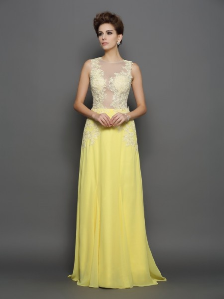 A-Line/Princess Scoop Lace Dress with Long Chiffon
