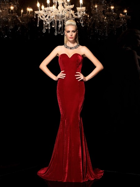 Sheath/Column Sweetheart Long Velvet Dress