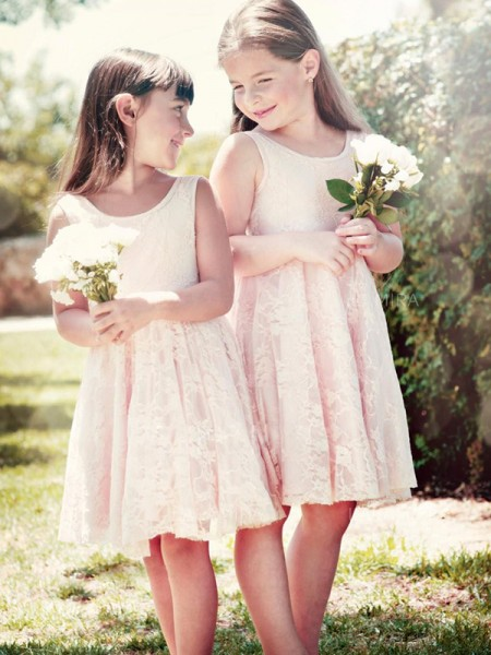 A-Line/Princess Sleeveless Scoop Knee-Length Ruffles Lace Flower Girl Dress