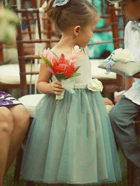 A-Line/Princess Sleeveless Square Tea-Length Hand-Made Flower Tulle Flower Girl Dress