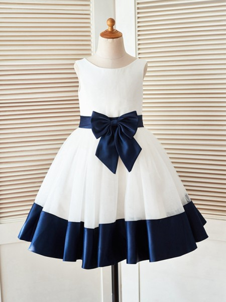 A-Line/Princess Knee-Length Scoop Bowknot Sleeveless Satin Flower Girl Dress
