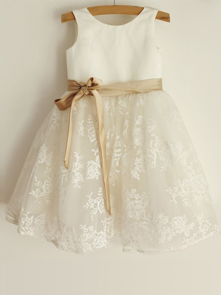 A-Line/Princess Scoop Lace Sleeveless Satin Knee-Length Flower Girl Dress