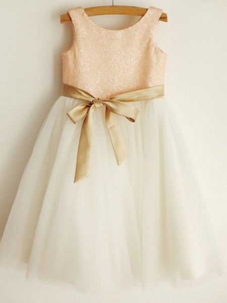 A-Line/Princess Scoop Sequin Sleeveless Tulle Knee-Length Flower Girl Dress