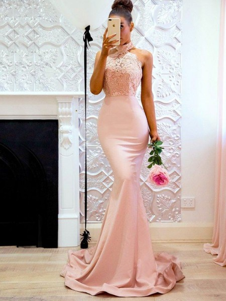 Trumpet/Mermaid Sleeveless Halter Lace Satin Sweep/Brush Train Dress