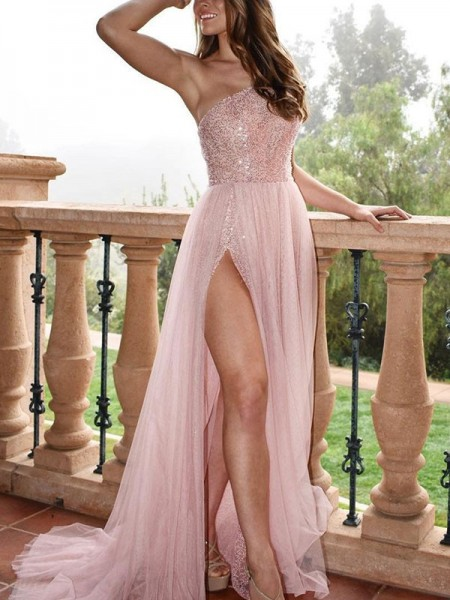 A-Line/Princess Sleeveless One-Shoulder Beading Tulle Sweep/Brush Train Dress