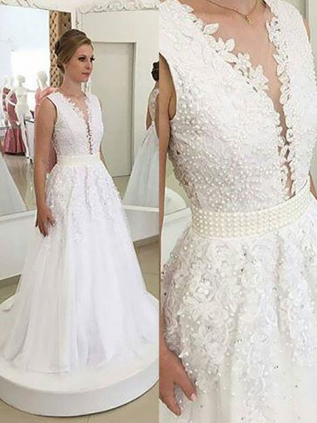 A-Line/Princess V-neck Sweep/Brush Train Tulle Applique Wedding Dresses