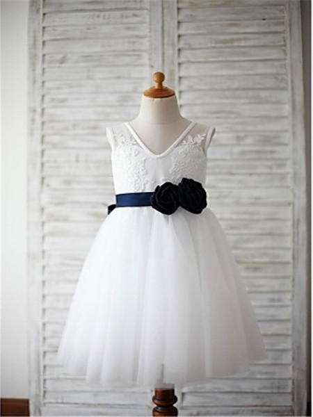 A-line/Princess V-neck Sleeveless Hand-made Flower Floor-Length Tulle Flower Girl Dresses