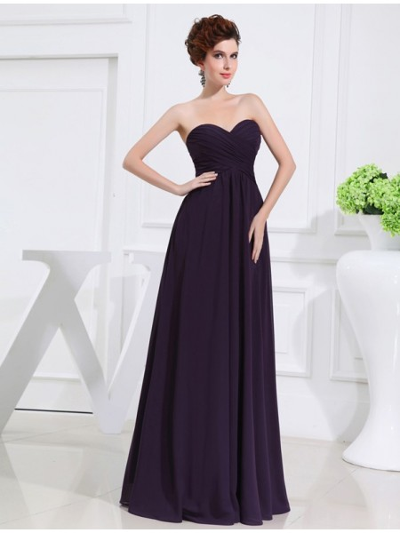 A-Line/Princess Sweetheart Chiffon Pleats Long Bridesmaid Dress