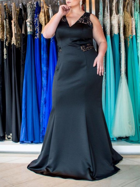 Trumpet/Mermaid V-neck Sweep/Brush Train Elastic Woven Satin Plus Size Dress with Lace
