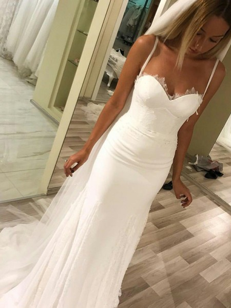 Sheath/Column Sleeveless Chiffon Wedding Dress