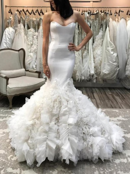 Trumpet/Mermaid Sleeveless Court Train Organza Wedding Dress