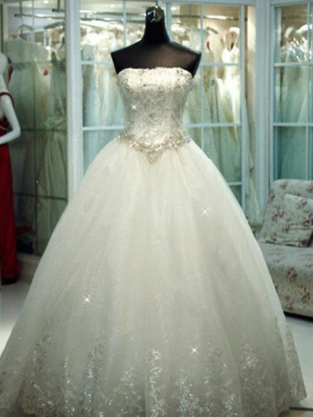 Ball Gown Strapless Beading Tulle Sleeveless Floor-Length Wedding Dress