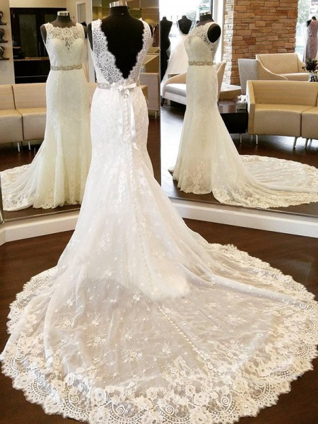 Sheath/Column Lace Scoop Sleeveless Bowknot Chapel Train Wedding Dress