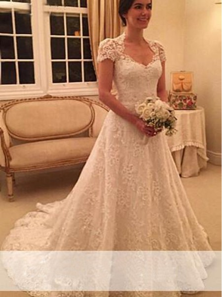A-Line/Princess Sweetheart Court Train Lace Wedding Dress