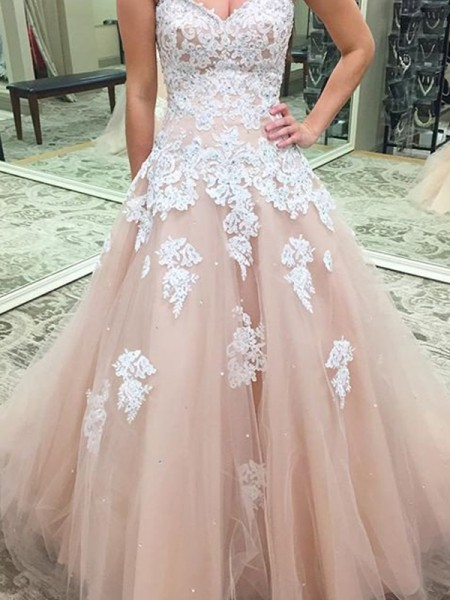 Ball Gown Sweetheart Applique Tulle Floor-Length Dress