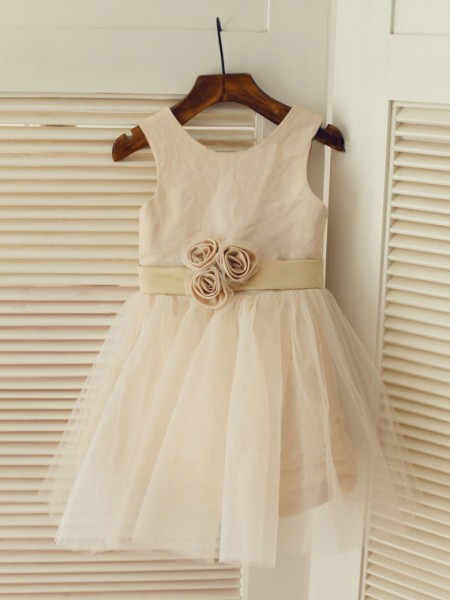 A-line/Princess Scoop Sash/Ribbon/Belt Long Tulle Dresses