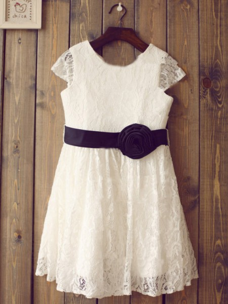 A-line/Princess Scoop Short Sleeves Long Lace Dress